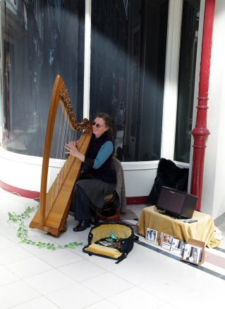 Music from Harp Nouveau.